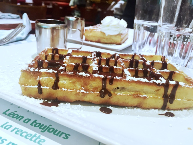 Restaurant Gouter Paris Porte Maillot Leon 2
