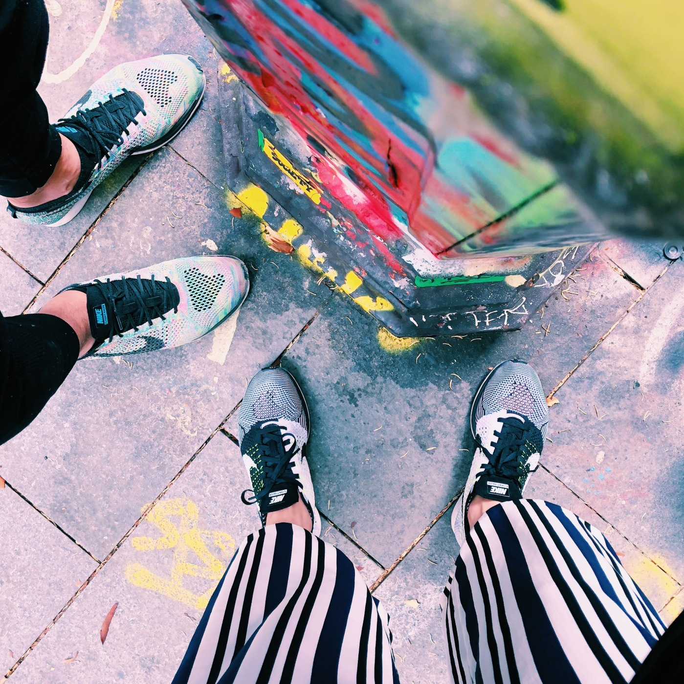 alt-Nike-flyknit-racer-street-art