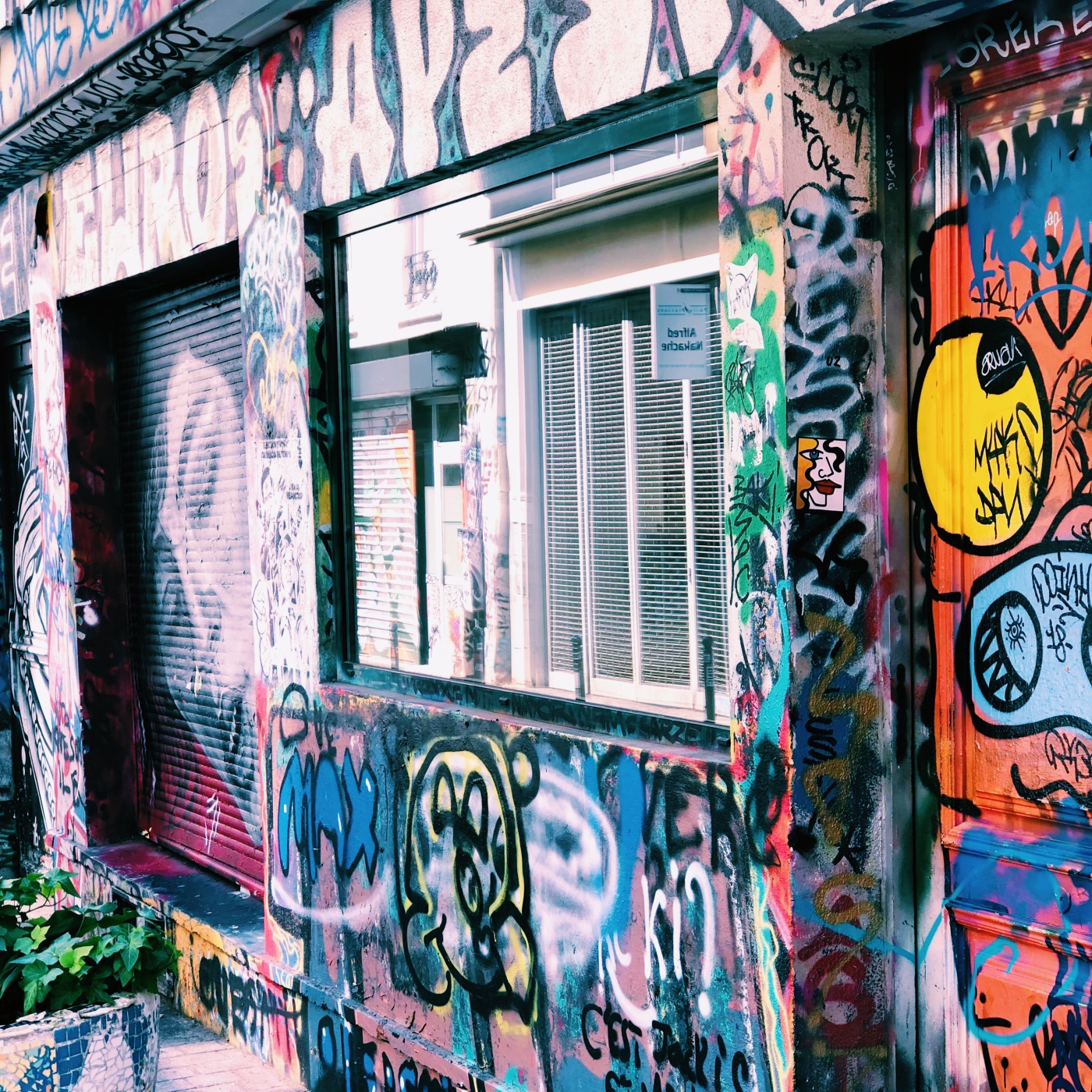 alt-Street-art-rue-Denoyez-3